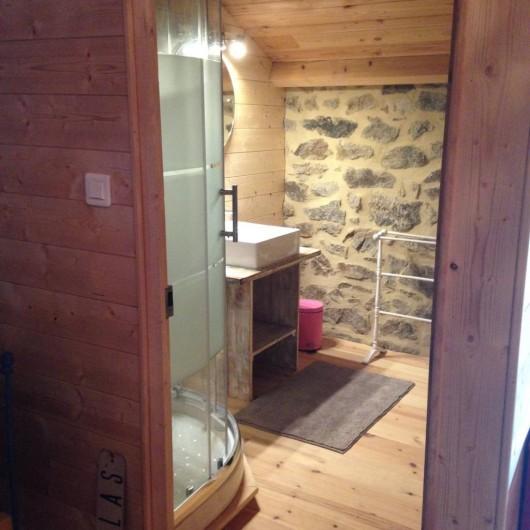 Location de vacances - Gîte à Champagnac-le-Vieux - Salle de bain