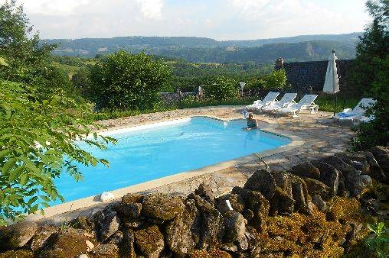 Location g te avec piscine chauff e saint c me d 39 olt for Location gite avec piscine aveyron