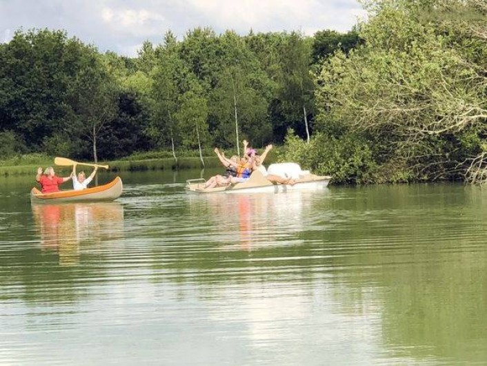 Location de vacances - Gîte à Varennes-Changy - Les pédalos, canoë,... Que du bonheur !