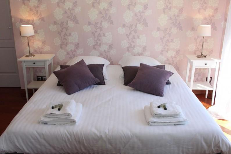 Location de vacances - Gîte à Varennes-Changy - Chambre 1 : Suite  Sdb indépendante douche et bain balnéothérapie + wc