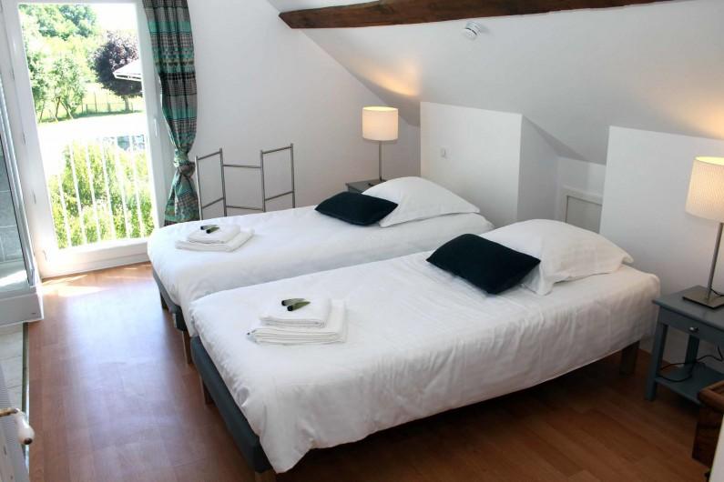 Location de vacances - Gîte à Varennes-Changy - Chambre 2  :  Lits simples ou double Sdb et wc