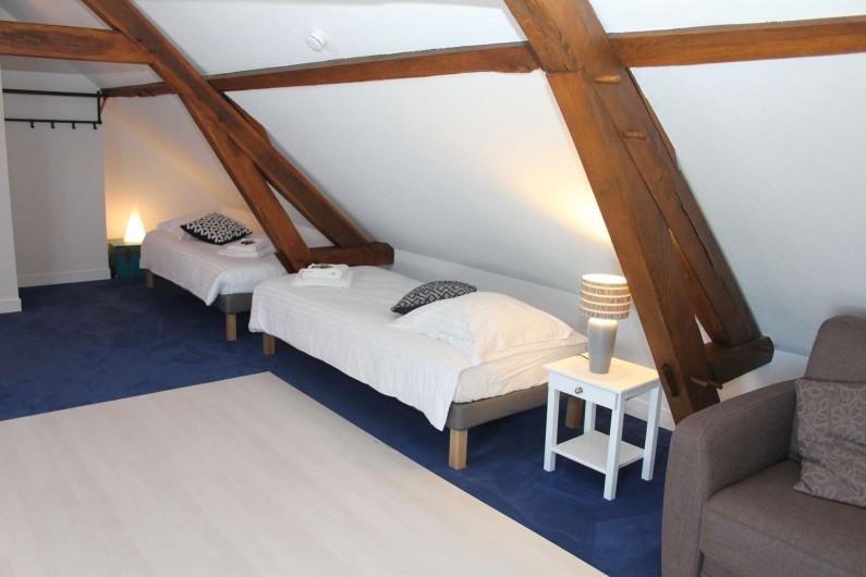 Location de vacances - Gîte à Varennes-Changy - Le Dortoir : 4 lits simples 1 canapé lit 2 pers.