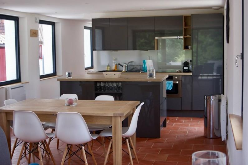 Location de vacances - Maison - Villa à Azincourt - Salle à manger et cuisine entièrement équipée