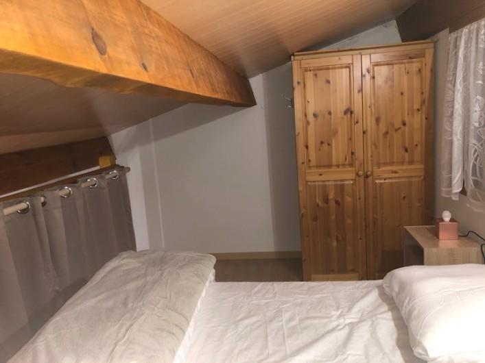 Location de vacances - Maison - Villa à Saint-Martin-de-Brômes - Chambre en mezzanine