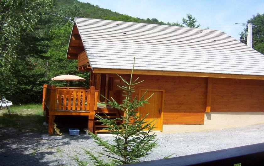 Location de vacances - Chalet à Montclar - Face est du chalet
