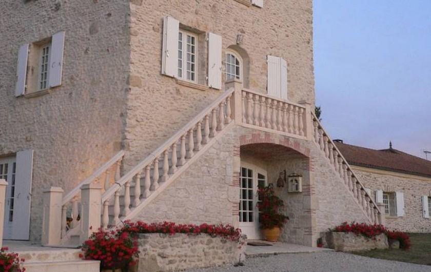 Location de vacances - Chambre d'hôtes à Pailloles - Entrée du restaurant La Table des Épicuriens