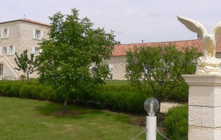Location de vacances - Chambre d'hôtes à Pailloles - L'entrée du Domaine face ouest