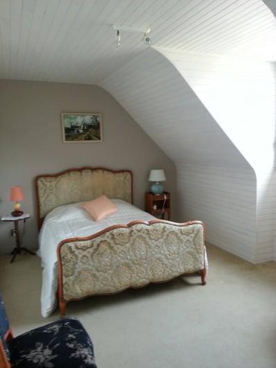 Location de vacances - Villa à Plougoulm - Chambre à l'étage vue mer