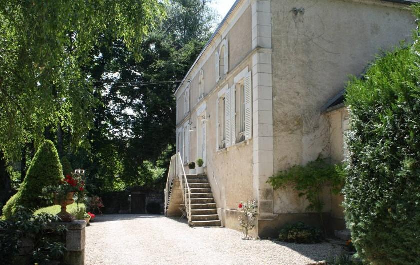 Location de vacances - Chambre d'hôtes à Sainte-Vertu - Entrée de la maison d'hôtes