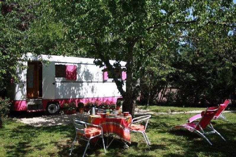 Location de vacances - Chambre d'hôtes à Sainte-Vertu - La roulotte du Serein
