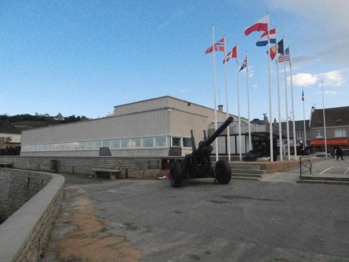 Location de vacances - Gîte à Arromanches-les-Bains - musée d'Arromanches