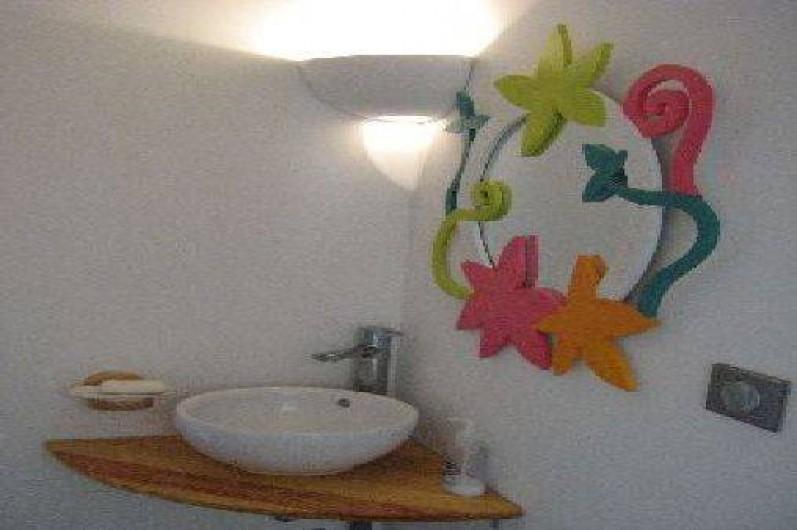 Location de vacances - Appartement à Le Château-d'Oléron - Lavabo et 2em WC