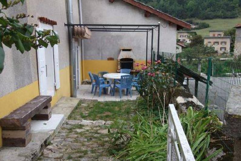 Location de vacances - Maison - Villa à Saint-Agnan-en-Vercors - La terrasse et le jardin