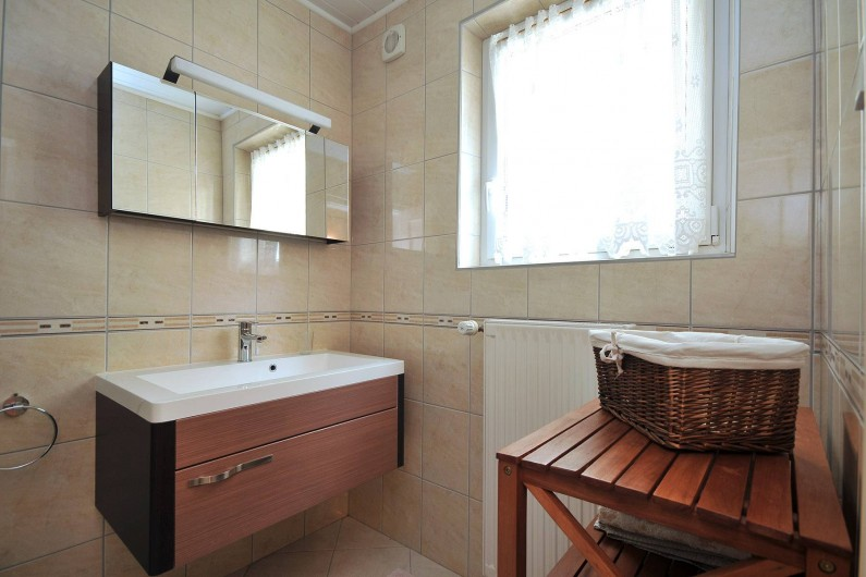 Location de vacances - Appartement à Haegen - salle de bain lavabo