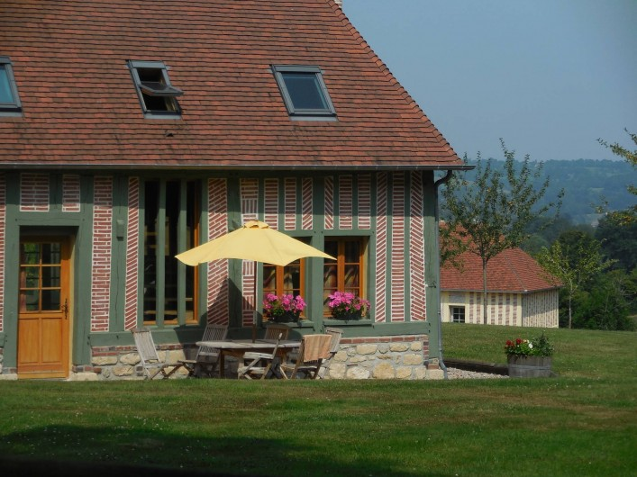 Location de vacances - Gîte à Saint-Germain-de-Livet - terrasse sud ouest