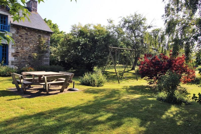 Location de vacances - Gîte à Saint-Alban - autre vue du jardin