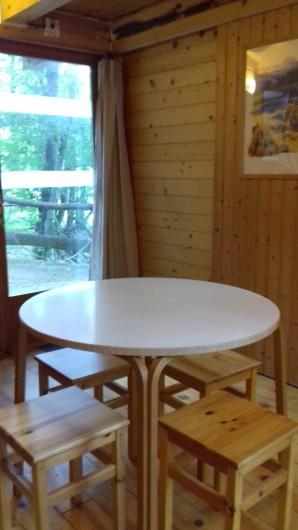 Location de vacances - Gîte à Crisolles - Gîte accessible - rez-de-chaussée- coin repas