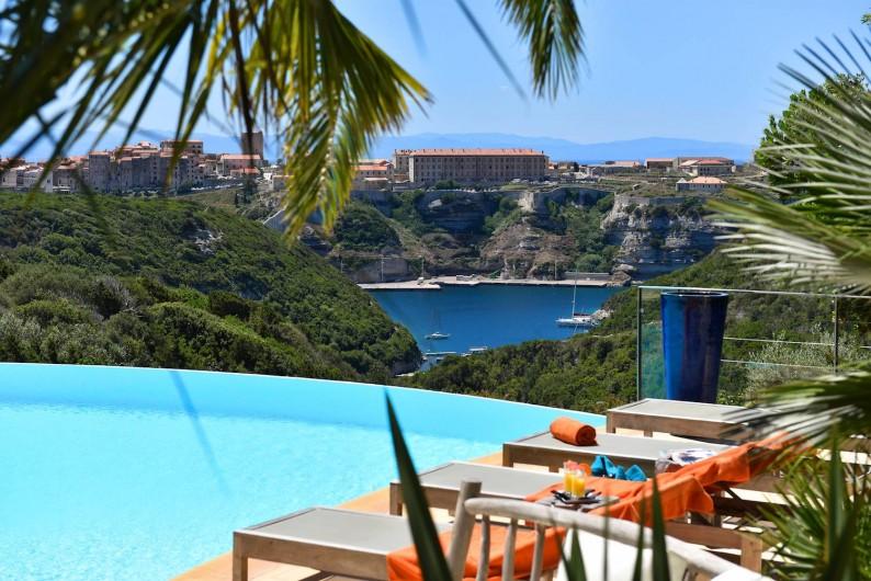 Minivilla Terra Marina Avec Vue Sur Bonifacio La Sardaigne Et La - Location villa en sardaigne avec piscine