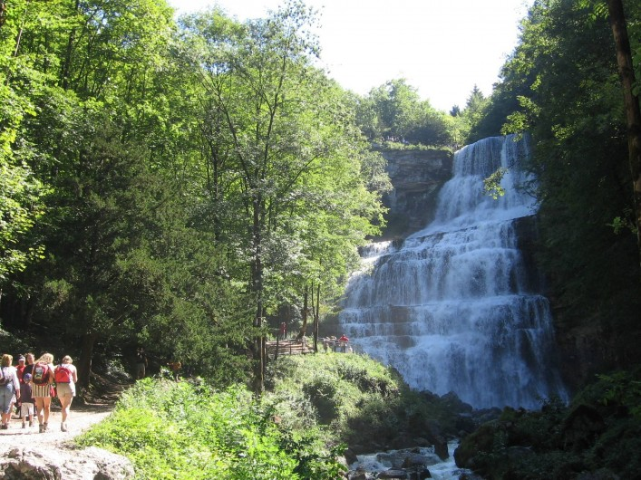 Location de vacances - Chambre d'hôtes à Charézier - Cascades du hérisson 12 Km