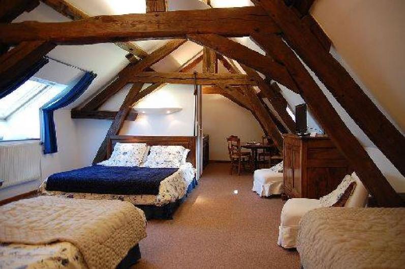 Location de vacances - Chambre d'hôtes à Champignelles - Chambre PERVENCHES 1 lit double et 2 lits simples