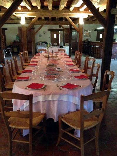 Location de vacances - Chambre d'hôtes à Champignelles - Grande table Familiale