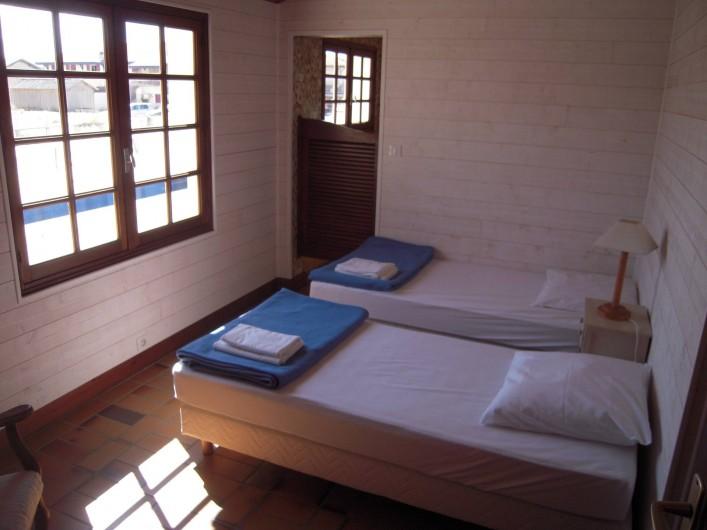 Location de vacances - Villa à Vielle-Saint-Girons - Chambre n° 2 côté forêt, avec salle de bain attenante