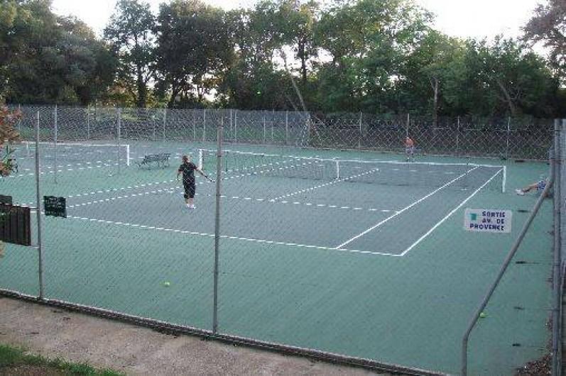 Location de vacances - Mas à La Croix-Valmer - 4 courts de tennis