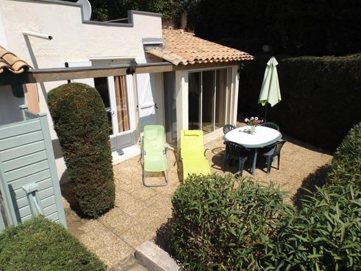 Location de vacances - Mas à La Croix-Valmer - De plain-pied sur la terrasse