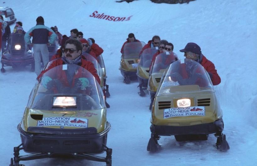 Location de vacances - Appartement à Guchen - Sortie en moto neige le soir à la fermeture des pistes