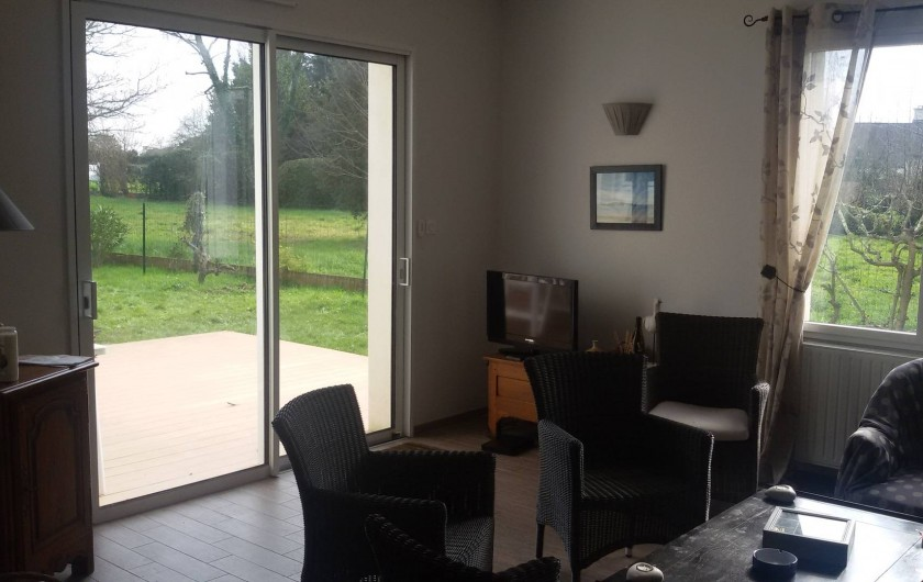 Location de vacances - Villa à Larmor-Baden - Vue de la terrasse depuis le salon