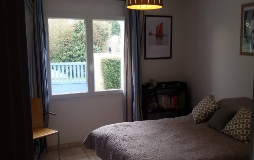 Location de vacances - Villa à Larmor-Baden - Chambre 1 au rez de chaussée