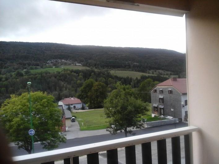Location de vacances - Appartement à Lélex - Vue de l'appartement