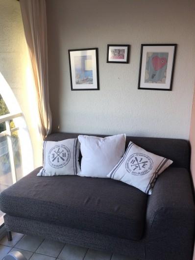 Location de vacances - Appartement à Sète - méridienne sur balcon