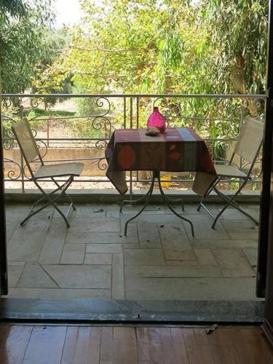 Location de vacances - Chalet à Kakovatos - TOUS LES BALCONS SONT OBRAGES ET SPACIEUX