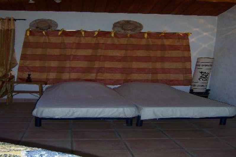 Location de vacances - Villa à La Cadière-d'Azur - coin literie.
