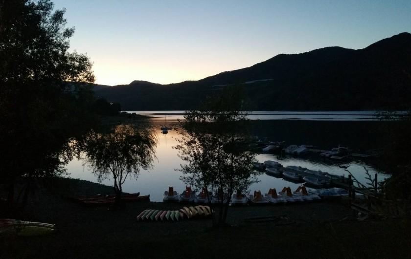 Location de vacances - Bungalow - Mobilhome à Saint-Vincent-les-Forts - Le lac