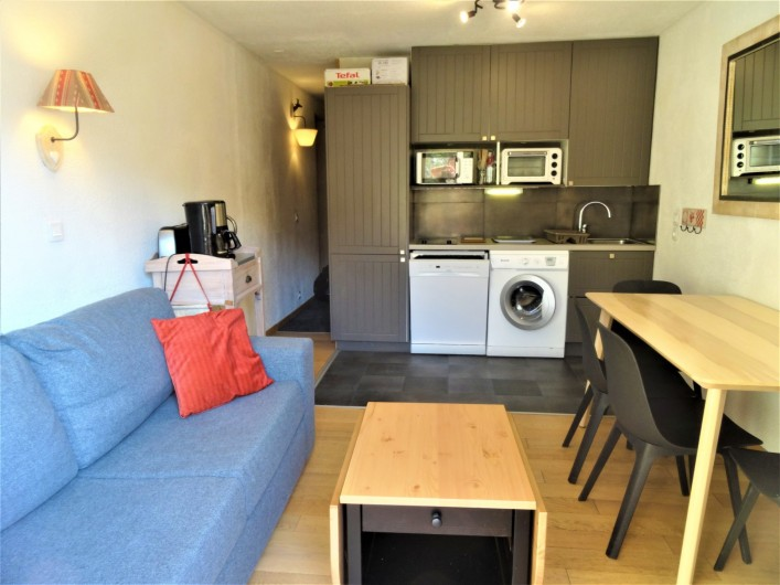 Location de vacances - Appartement à Val Thorens - Cuisine toute équipée avec lave linge-sèche linge