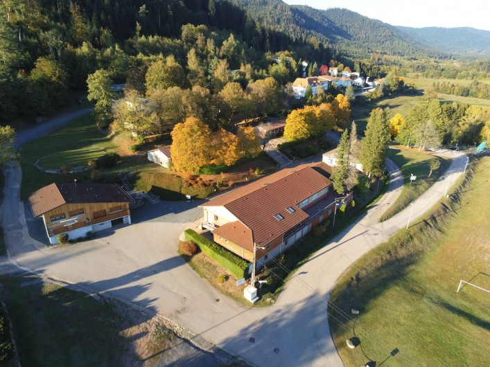 Location de vacances - Chalet à Senones - Vue du haut, un esprit pleine nature