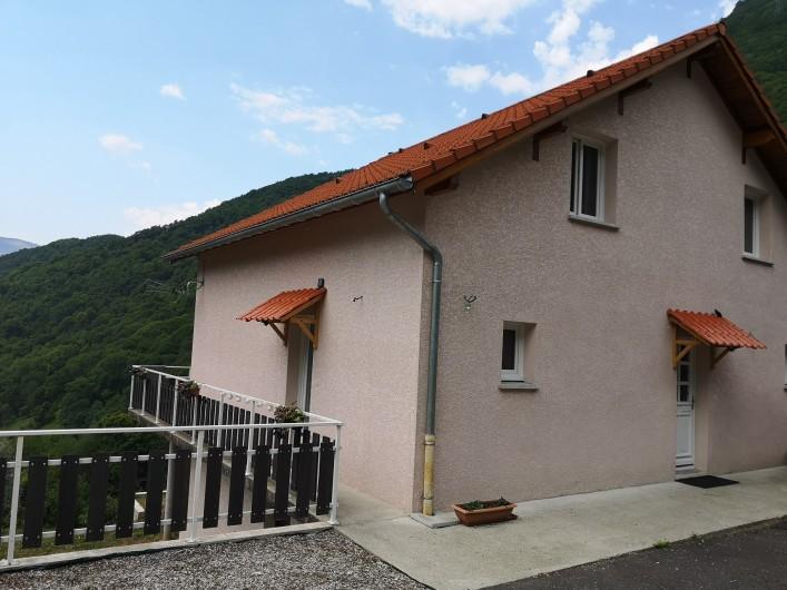 Location de vacances - Villa à Séchilienne - Les 2 entrées du gîte