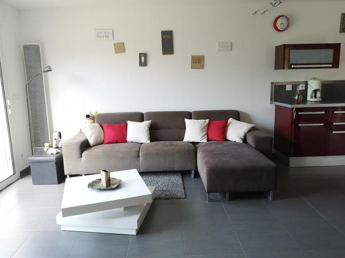 Location de vacances - Villa à Séchilienne - le salon avec une canapé pouvant être utilisé en lit