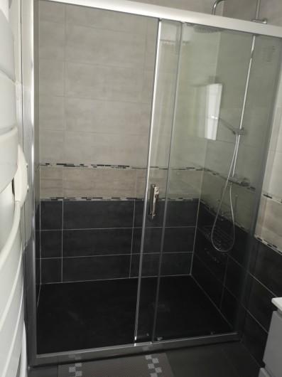 Location de vacances - Villa à Séchilienne - Grande douche