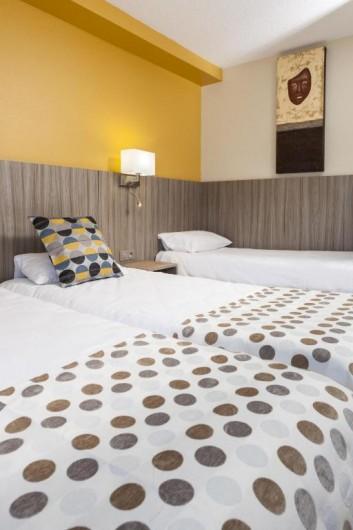 Location de vacances - Chambre d'hôtes à Foix - CHAMBRE TRIPLE (3 lits simples à 90) STANDARD