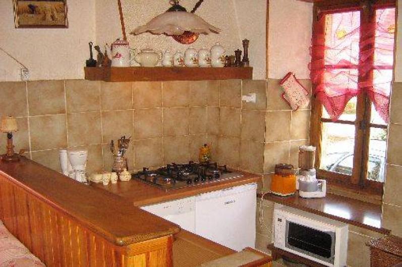 Location de vacances - Maison - Villa à Arrien-en-Bethmale - La cuisine ouverte.