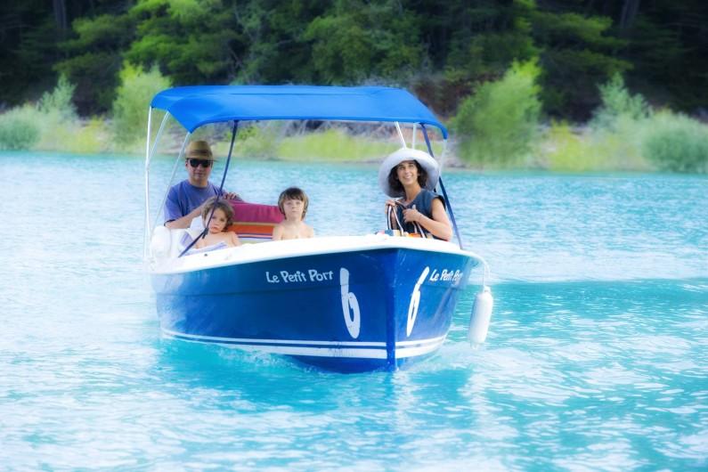 Location de vacances - Chambre d'hôtes à Riez - location de bateaux électriques sur le lac de sainte croix