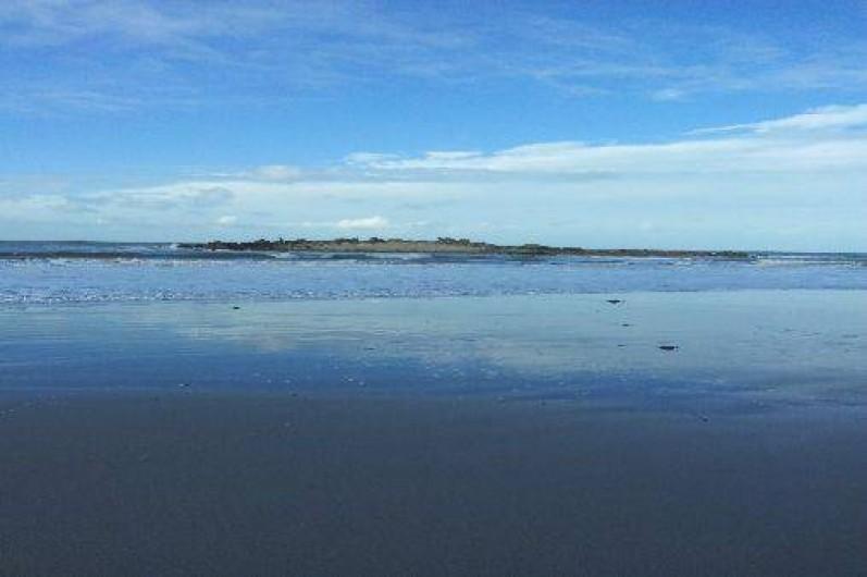 Location de vacances - Gîte à Penvénan - Plage du Royau se situant à environ 1.5km