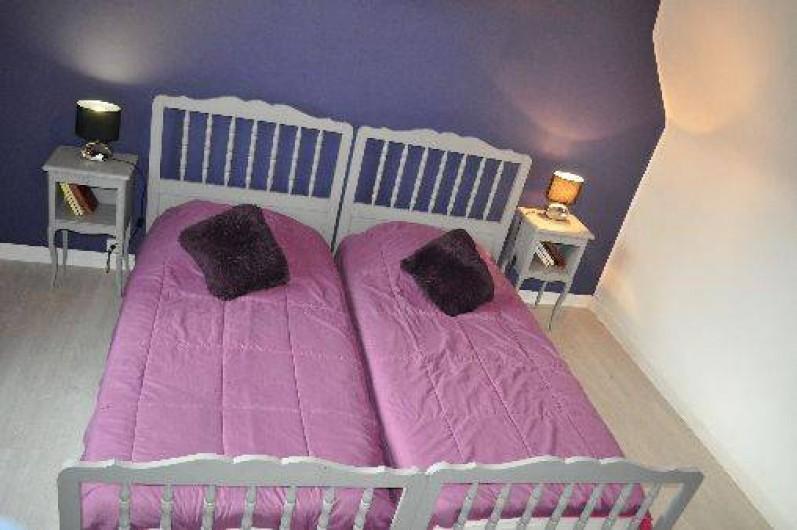 Location de vacances - Gîte à Penvénan - Chambre 2 avec 2 lits d'une personne.