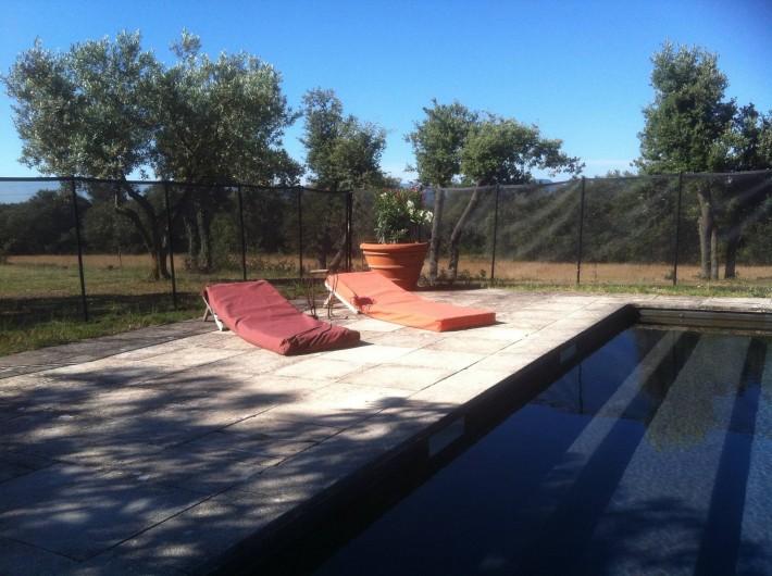 Location de vacances - Appartement à Jouques - Au bord de la piscine