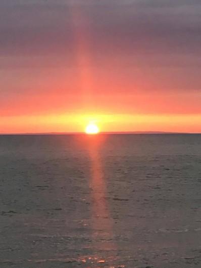 Location de vacances - Appartement à Pirou - Coucher de soleil sur la mer