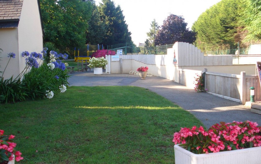 Location de vacances - Camping à Clohars-Carnoët - Des fleurs et des fleurs