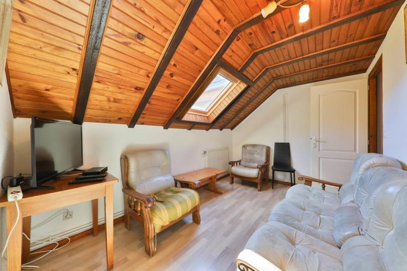 Location de vacances - Gîte à Sondernach - Le coin salon au 1er étage